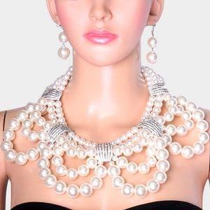 Rhinestone Chunky Pearl Bib Necklace
